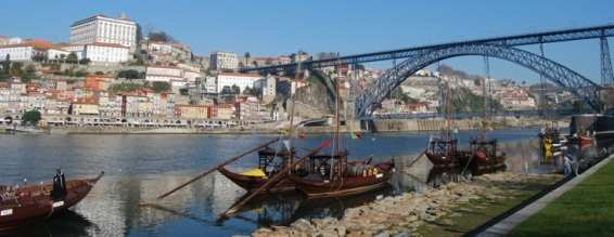 Portvínsbátarnir á Douro ánni