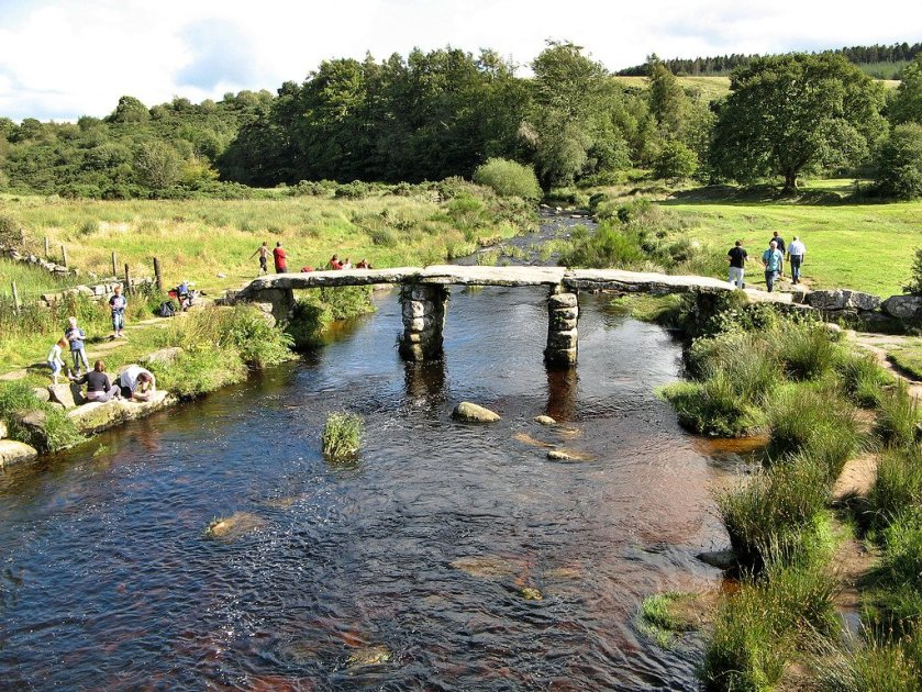 Old_Bridge_Postbridge_Dartmoor_National_Park_Devon_England_UK