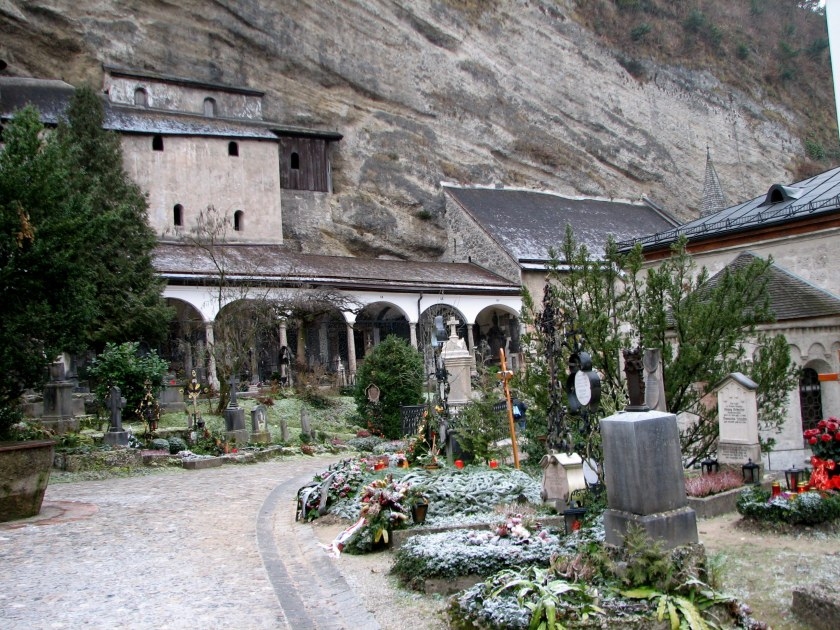 Cemetery_at_St._Peter's_in_Salzburg_2