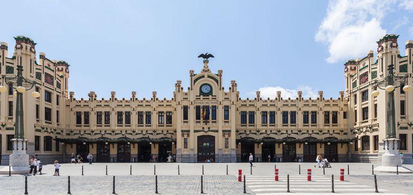 Estación_del_Norte,_Valencia,_España,_2014-06-30,_DD_122